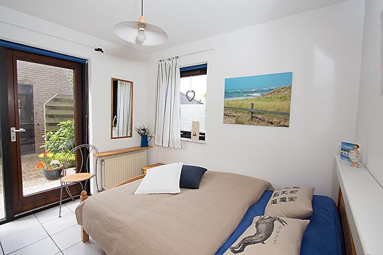 liebevoll eingerichtetes ferienhaus klinkerwand 73 auf texel ferienpark de krim mit platz. Black Bedroom Furniture Sets. Home Design Ideas